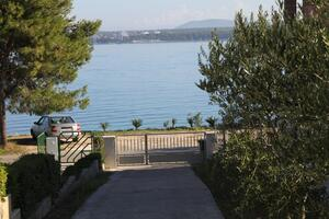 Apartments by the sea Tkon (Pašman) - 8297