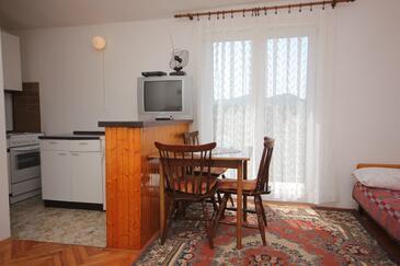 Ždrelac, Jedáleň v ubytovacej jednotke studio-apartment.