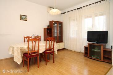 Ugljan, Dining room in the apartment, dostupna klima, dopusteni kucni ljubimci i WIFI.