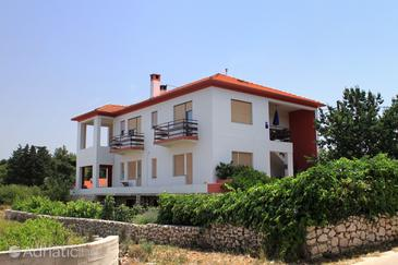 Ugljan, Ugljan, Property 830 - Apartments near sea with pebble beach.