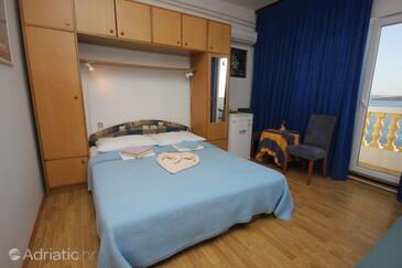 Tkon, Bedroom in the room, dostupna klima, dopusteni kucni ljubimci i WIFI.