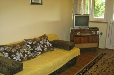 Tkon, Living room in the apartment, dopusteni kucni ljubimci i WIFI.
