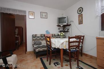 Ždrelac, Dining room in the apartment, dopusteni kucni ljubimci.