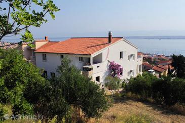 Preko, Ugljan, Property 8314 - Apartments with pebble beach.