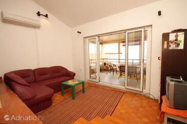 Guduće, Living room in the apartment, dostupna klima i dopusteni kucni ljubimci.