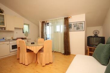 Zaklopatica, Esszimmer in folgender Unterkunftsart apartment, WiFi.