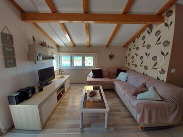 Grebaštica, Living room in the apartment, dostupna klima, dopusteni kucni ljubimci i WIFI.