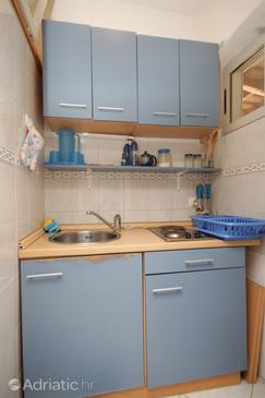 Pasadur, Kitchen in the studio-apartment.