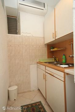 Pasadur, Kitchen in the studio-apartment, dostupna klima.
