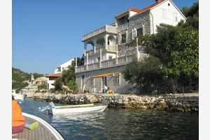 Apartments by the sea Zaklopatica, Lastovo - 8346