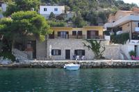 Apartments by the sea Zaklopatica (Lastovo) - 8347