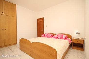 Lastovo, Bedroom in the room, dostupna klima i WIFI.