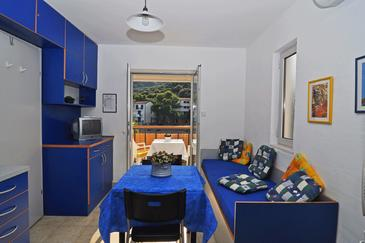 Pasadur, Dining room in the studio-apartment, air condition available, (pet friendly) and WiFi.