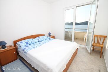 Bedroom    - A-8355-e