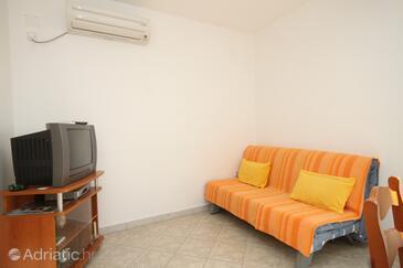 Ubli, Living room in the apartment, dostupna klima i WIFI.
