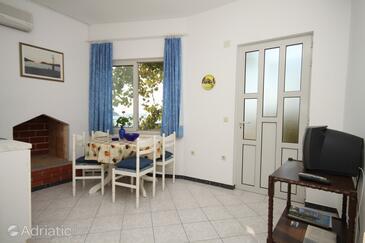 Ubli, Dining room in the studio-apartment, WIFI.