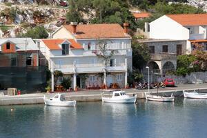 Apartments by the sea Zaklopatica (Lastovo) - 8357