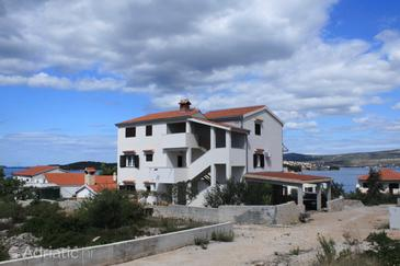 Ražanj, Rogoznica, Property 8361 - Apartments near sea with pebble beach.