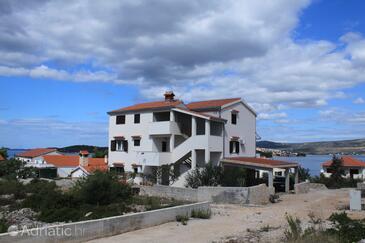 Ražanj, Rogoznica, Объект 8361 - Апартаменты вблизи моря с галечным пляжем.