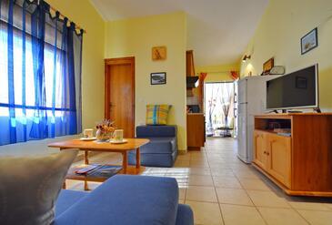 Ždrelac, Camera di soggiorno nell'alloggi del tipo apartment, condizionatore disponibile e WiFi.
