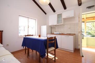 Bilo, Jídelna v ubytování typu studio-apartment, domácí mazlíčci povoleni a WiFi.