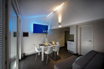 Zečevo Rtić, Jedáleň v ubytovacej jednotke apartment, WIFI.