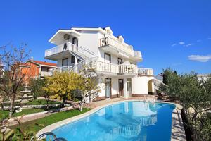 Seaside apartments with a swimming pool Zecevo Rtic, Rogoznica - 8366