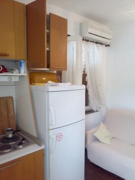 Žaborić, Jídelna v ubytování typu apartment, s klimatizací a WiFi.