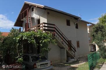 Žaborić, Šibenik, Objekt 8368 - Ubytování v blízkosti moře s oblázkovou pláží.