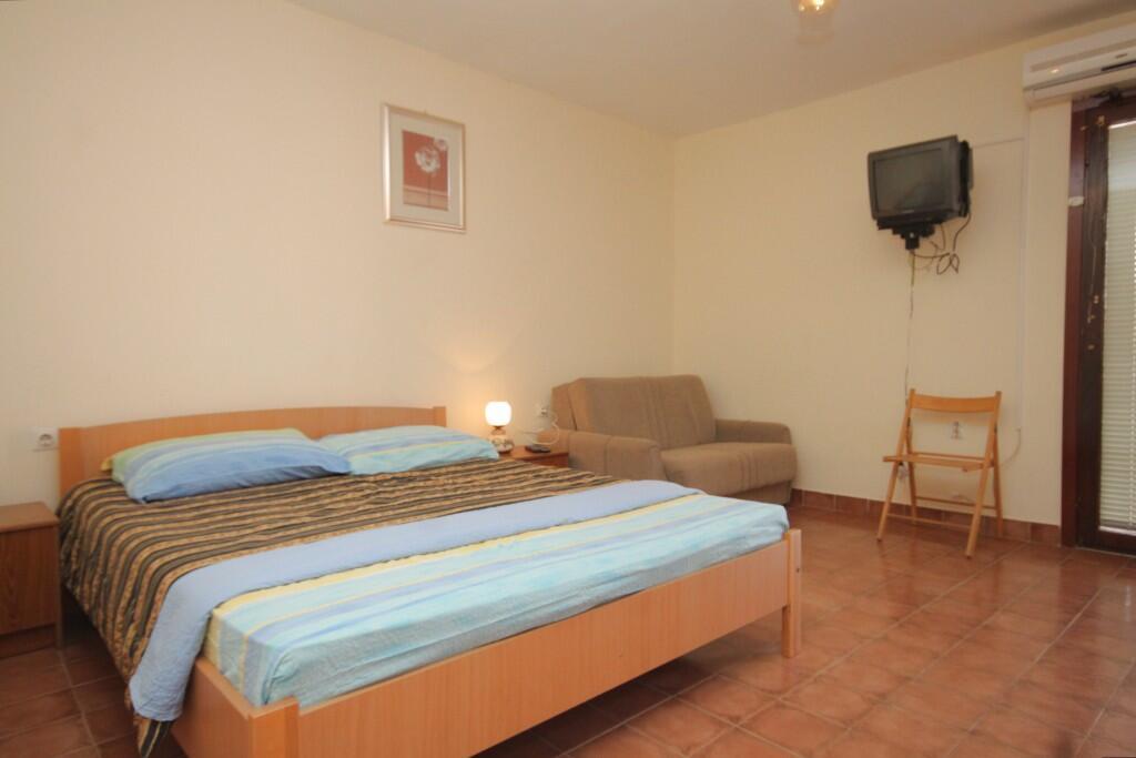 Holiday apartment Studio Appartment im Ort Tribunj (Vodice), Kapazität 2+1 (2143967), Tribunj, , Dalmatia, Croatia, picture 5