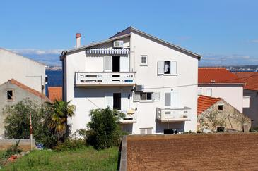 Kali, Ugljan, Property 837 - Apartments near sea with pebble beach.