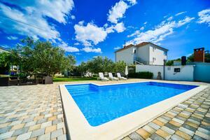 Rodinné apartmány s bazénem Biograd na Moru (Biograd) - 8370