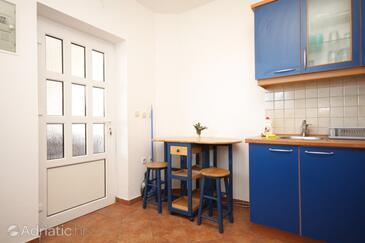 Lukoran, Dining room in the apartment, dopusteni kucni ljubimci i WIFI.