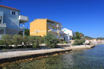 Preko, Ugljan, Objekt 8384 – Apartmaji v bližini morja.