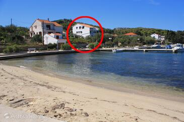 Lukoran, Ugljan, Property 8397 - Apartments and Rooms near sea with sandy beach.