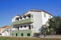 Apartments with a parking space Kukljica (Ugljan) - 8398