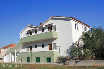 Kukljica, Ugljan, Property 8398 - Apartments with pebble beach.