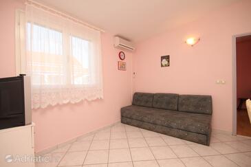 Kukljica, Living room in the apartment, dostupna klima, dopusteni kucni ljubimci i WIFI.