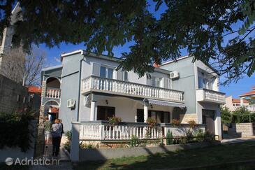 Kukljica, Ugljan, Property 8400 - Apartments near sea with pebble beach.