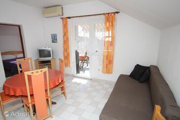 Kukljica, Obývací pokoj v ubytování typu apartment, s klimatizací, domácí mazlíčci povoleni a WiFi.