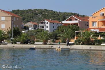 Kukljica, Ugljan, Objekt 8402 - Ubytování v blízkosti moře s oblázkovou pláží.