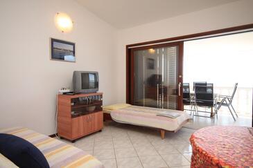 Ždrelac, Obývací pokoj v ubytování typu apartment, domácí mazlíčci povoleni a WiFi.