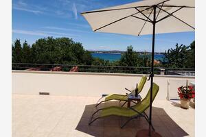 Apartments by the sea Tkon (Pašman) - 8410