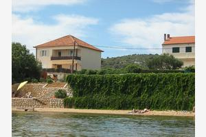 Apartments by the sea Tkon, Pašman - 8410
