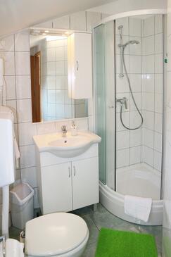 Bathroom    - K-8413