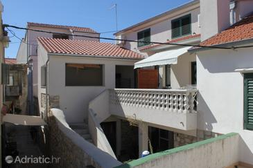 Poljana, Ugljan, Property 8418 - Apartments by the sea.
