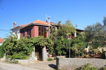 Ugljan, Ugljan, Property 8423 - Apartments near sea with pebble beach.