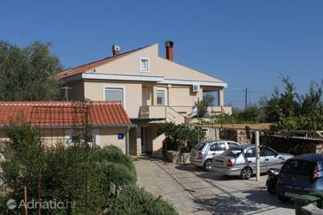 Preko, Ugljan, Property 8426 - Apartments with sandy beach.
