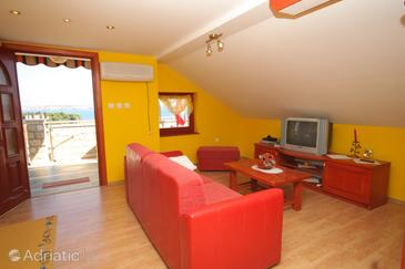 Preko, Living room in the apartment, air condition available, (pet friendly) and WiFi.