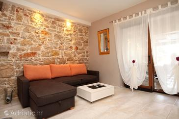 Poljana, Living room in the apartment, air condition available and WiFi.
